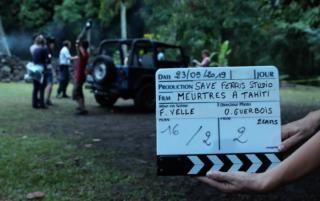 clap de tournage à Tahiti