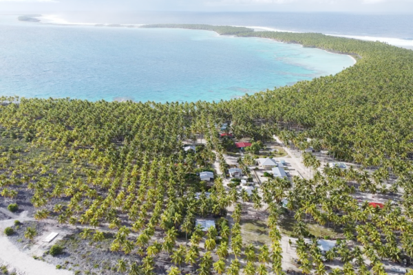 Bleu Océan le doc, atoll des Tuamotu